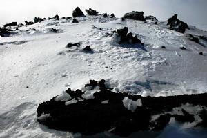 etna, vulkan i Sicilien täckt av snö