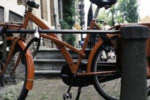 röd bycicle foto