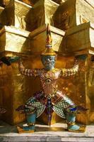 demon av grand palace i bangkok, thailand foto