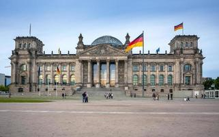 riksdagen byggnad i Berlin: tyska parlamentet foto