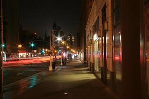 new york sent på kvällen foto