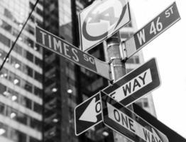 gånger fyrkantiga skyltar & w 46: e New York foto