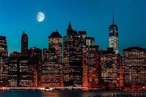 manhattan på natten foto