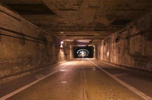 tunnel illusioner foto