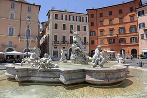 fontän av Neptun, Piazza Navona, Rom, Italien foto