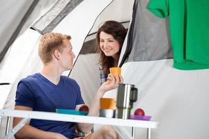 morgon på en camping foto