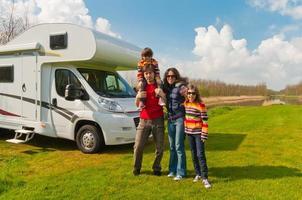 familjesemester på camping foto