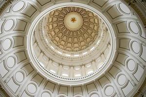 rotunda av statens huvudbyggnad i austin, texas foto