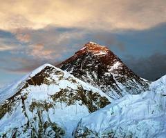 kvällsvy av Everest från Kala Patthar foto