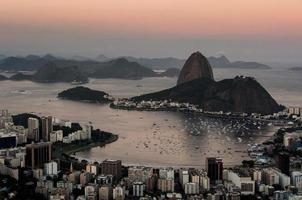 rio de janeiro, sockerloffberg vid solnedgången