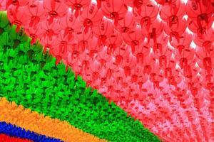 färgglada lyktor för buddhistfestival i Korea foto