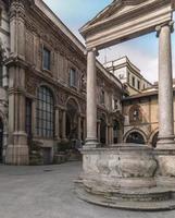 italien, milan, piazza dei mercanti (köpmannens torg) foto