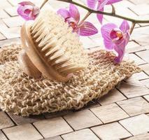 söker energi och vitalitet för spa-behandling foto