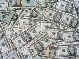 hög med pengar