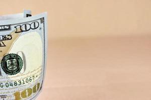 rullade nya amerikanska hundra dollar räkning