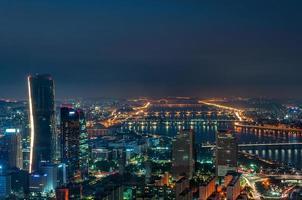 seoul skyline på natten foto