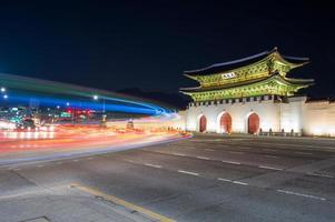 geyongbokgung palats på natten i Seoul, foto