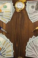 dollarsedlar på trä foto