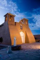 san francisco de asis kyrka, taos, new mexico foto