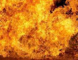 Brinnande eld foto