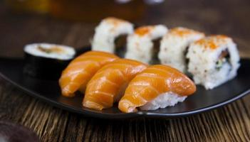 sushi på nära håll foto