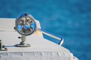 båt strålkastare på nära håll foto