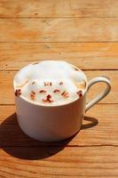närbild varm latte