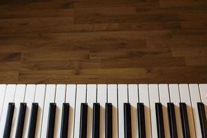 synthesizer tangentbord på nära håll foto