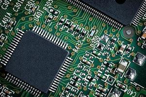 grön mikrochip på nära håll. foto