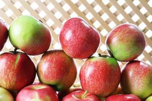 saftiga äpplen, närbild foto