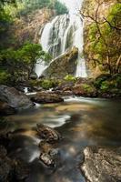 klong lan vattenfall, vintergrön skog