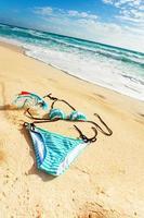 bikini på stranden foto