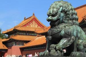 kinesiska löwenstatue