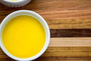 anka ägg vaniljsås foto