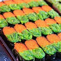 traditionell japansk mat, sushi foto