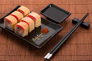japansk skaldjurssushiuppsättning
