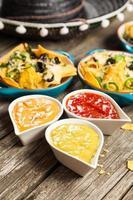 nachos med smält ost foto