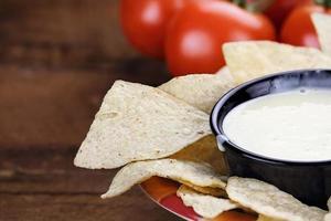 skål med queso blanco vit ostsås foto