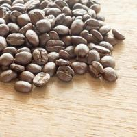 kaffe på grungeträbakgrund foto