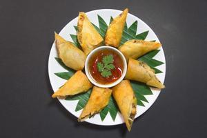 por pieer tod med ost i thailändsk vårrulle foto