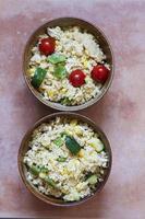 två skålar med cous-cous