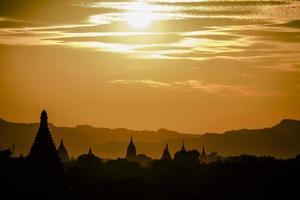 solnedgång i bagan foto