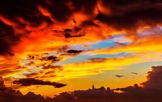 fantastisk solnedgång himmel bakgrund foto