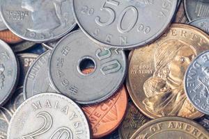 """oss amerikanska mynt med ordalyd """"i gud vi litar på"""" foto"""