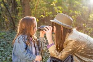två tjejer foto