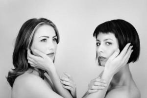 två kvinna foto