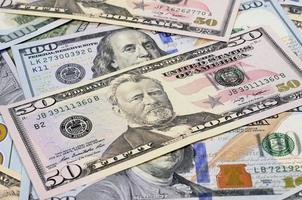 dollar hög som bakgrund foto