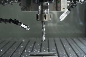 industriell CNC-fabrik automatiserad metallbearbetningsmaskin