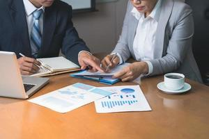 analysera finansiella rapporter foto