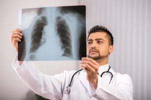 läkare indian foto
